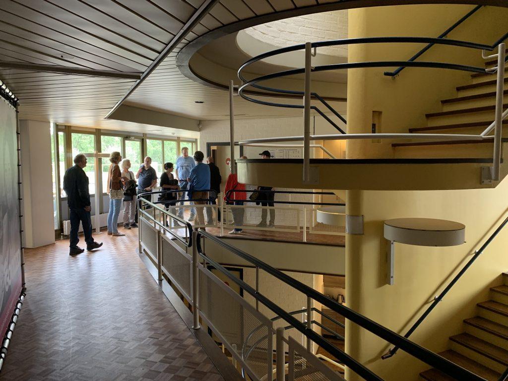 ruimtelijk trappenhuis business center de unie