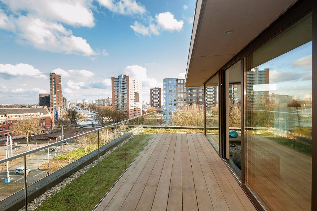 penthouse en groene dken op bestaand gebouw
