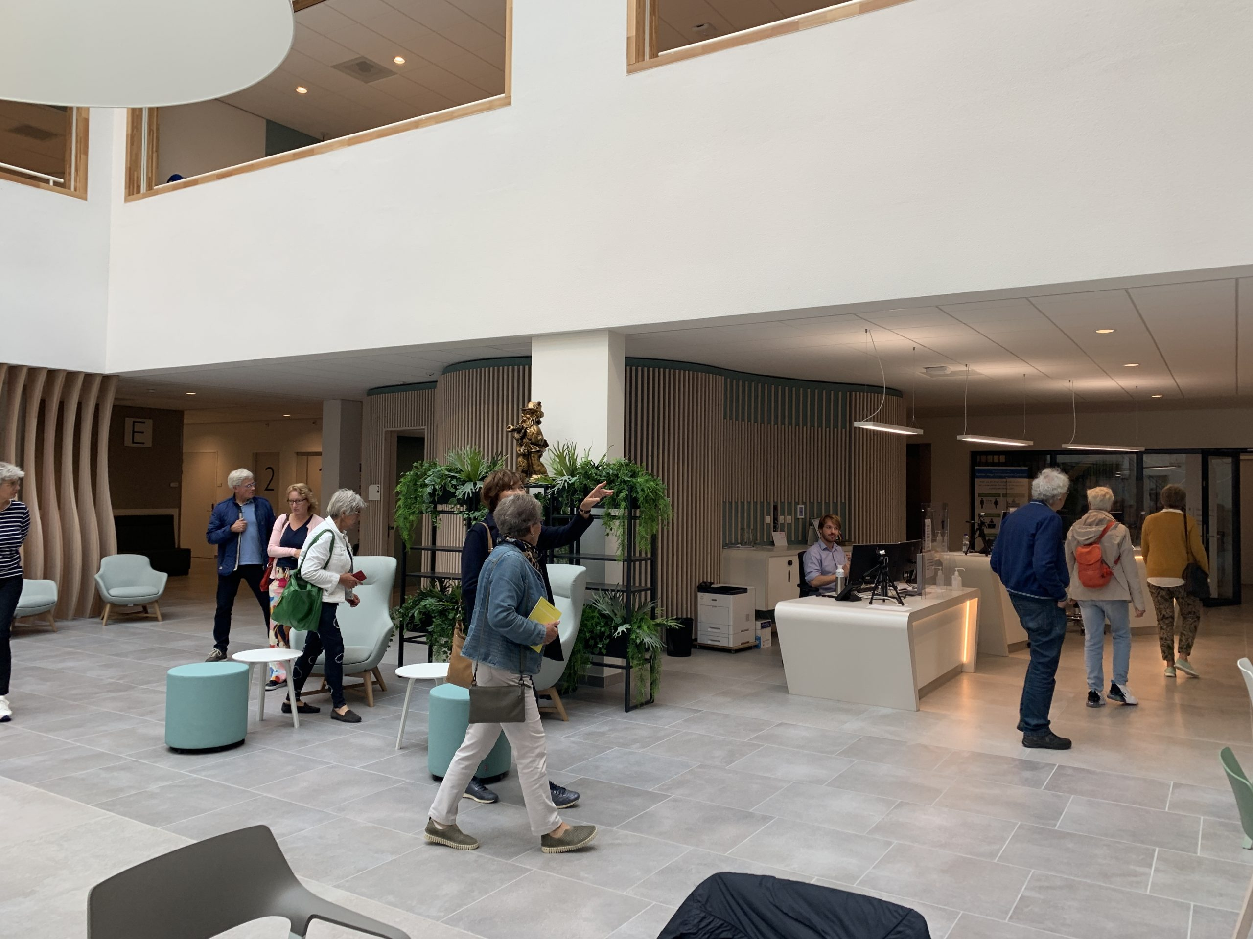 rondleiding door EGM architecten in Orthopedisch ecntrum Zoetermeer